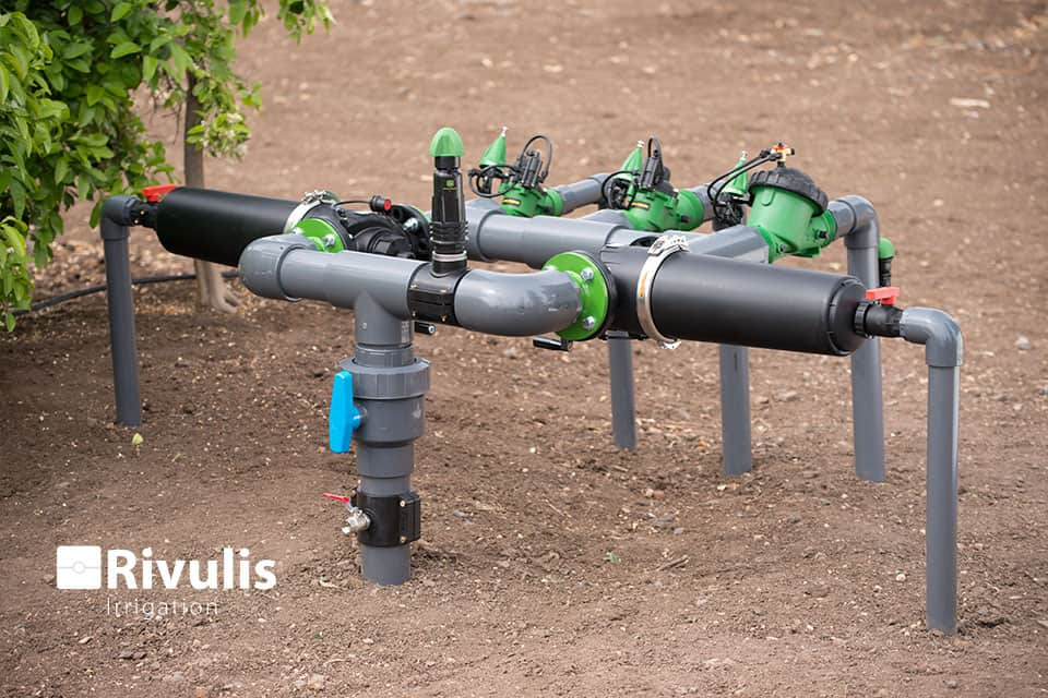 Lắp đặt bộ trung tâm hệ thống tưới nhỏ giọt Rivulis